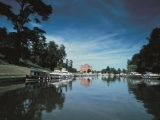 3-harleyford-manor-from-river-thames
